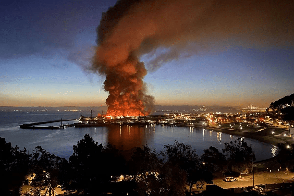 Massive Fire Destroys Warehouse on San Francisco's Fisherman's Wharf