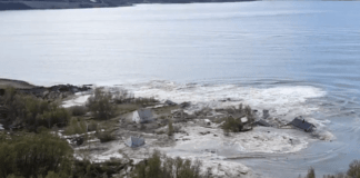In a short time, an avalanche clears eight houses into the ocean (Video)