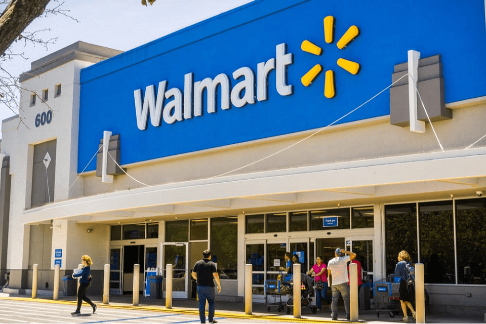 Walmart will close stores on Thanksgiving Day 2020 - Bonus payment